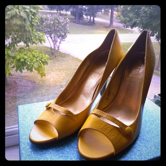 J. Crew Shoes - Size 9.5 J.Crew yellow leather pumps.